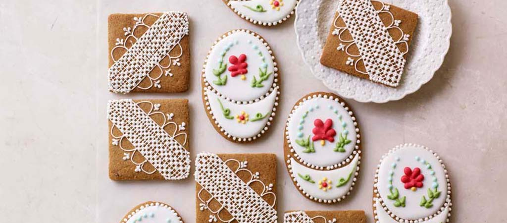 Prue Leith S Iced Ginger Biscuits The Great British Bake Off
