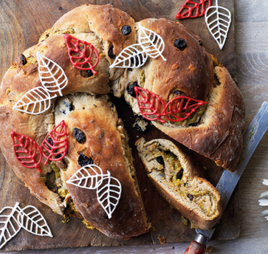 Tamal's Iced Stollen Wreath