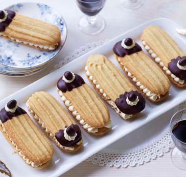Prue Leith's Tiramisu Sandwich Biscuits