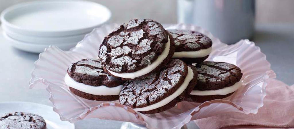 Stacey S Sparkly Chocolate Sandwich Cookies The Great British Bake Off