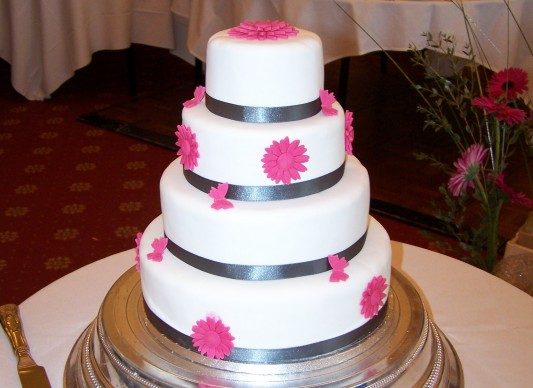 great british wedding cake gerbera wedding cake the great bake 14920