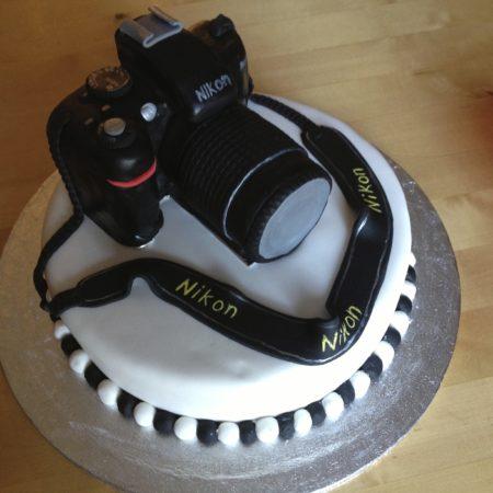 Prime 18Th Birthday Camera Cake The Great British Bake Off Funny Birthday Cards Online Benoljebrpdamsfinfo