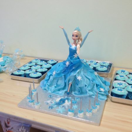 Wondrous Frozen 5Th Birthday Cake The Great British Bake Off Funny Birthday Cards Online Alyptdamsfinfo