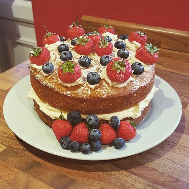 wedding cake recipe victoria sponge summer fruits sponge the great bake 23651