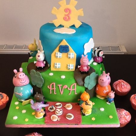 Little Girl S Peppa Pig Cake The Great British Bake Off